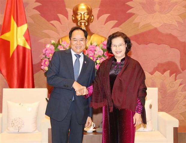 越南国会主席阮氏金银会见韩国驻越大使朴卢万 hinh anh 1