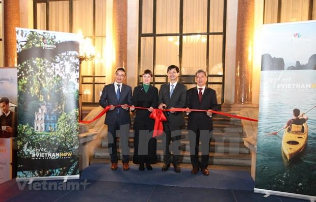 越南首个国际旅游办事处在英国开设 hinh anh 1