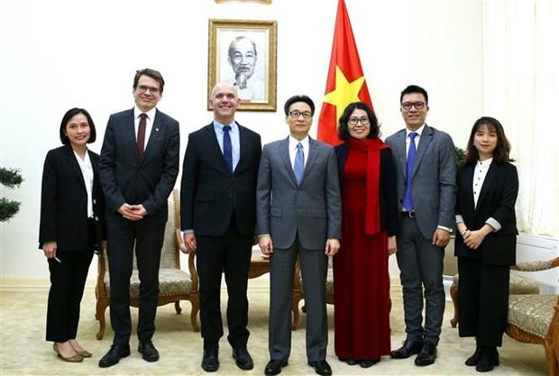 越南政府副总理武德儋会见国际社会保障协会秘书长 塞洛•阿比- 拉米亚•卡埃塔诺 hinh anh 2