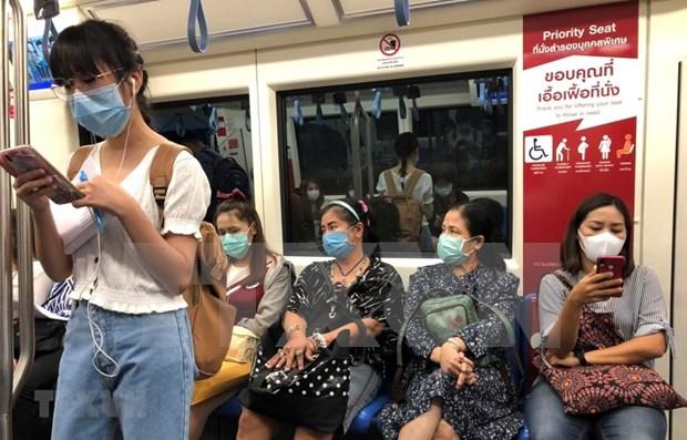 新冠肺炎疫情: 泰国政界预测上半年疫情将有所改善 hinh anh 1