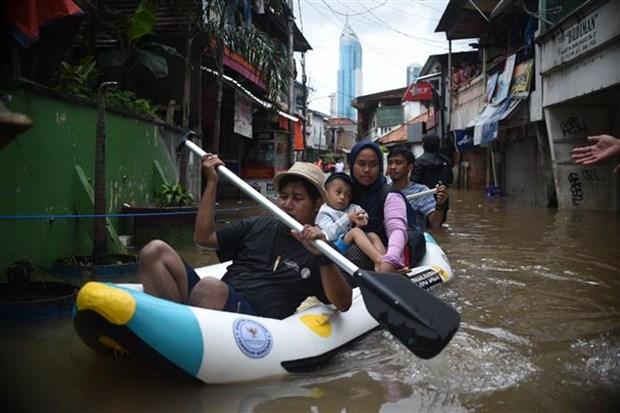 印尼暴雨引发洪涝造成至少5人死亡3人失踪 hinh anh 1