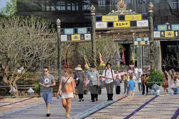 承天顺化省推出旅游刺激计划努力提高旅游服务质量 hinh anh 1