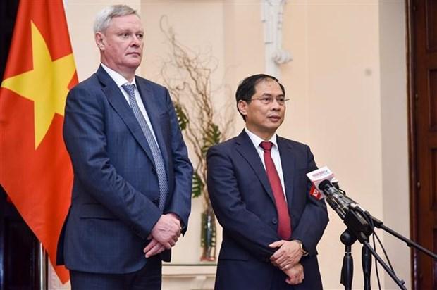 越南与俄罗斯在地区和国际论坛上加强合作 hinh anh 1