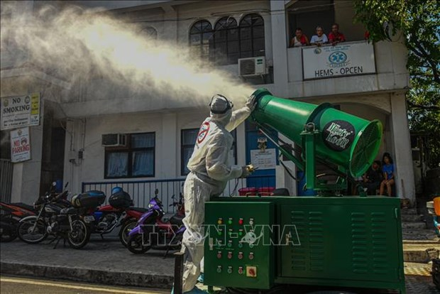 新冠肺炎疫情:菲律宾首都马尼拉封城 hinh anh 1