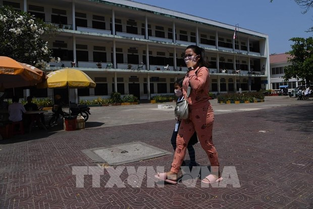 新冠肺炎疫情:柬埔寨与越南各边境口岸将暂停营运 hinh anh 1