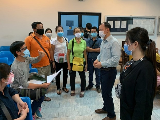 新冠肺炎疫情:帮助在泰国、新加坡滞留的越南公民回国 hinh anh 1