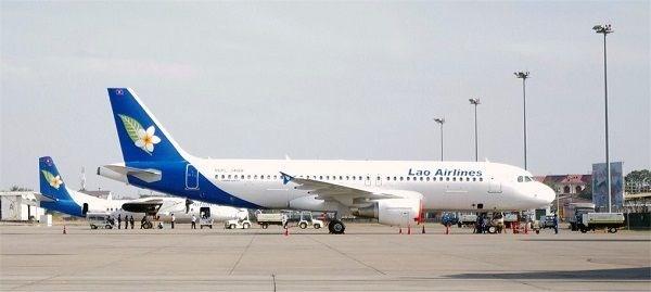 新冠肺炎疫情:老挝航空公司因疫情取消多架航班 hinh anh 1