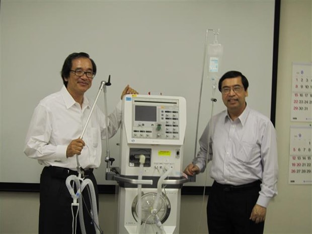 日本Metran公司将向越南提供呼吸机 hinh anh 1