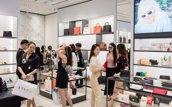 新加坡2月零售销售同比下降8.6% hinh anh 1