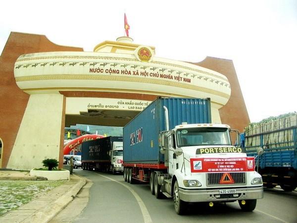 新冠肺炎疫情:老挝与越南之间的出入境规定有调整 hinh anh 1