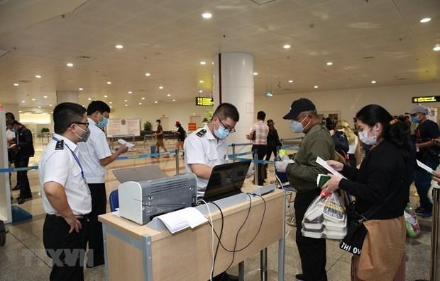 从现今至4月30日暂停为赴国外务工人员办理出境手续 hinh anh 1