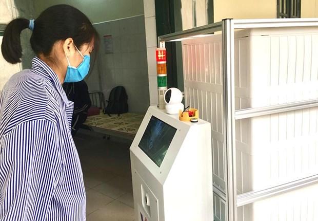 越南成功研发出医用物流机器人 更好服务新冠肺炎疫情防控工作 hinh anh 2