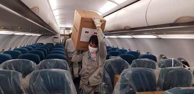 越航将欧盟公民送回国并承运防疫物资援助给欧洲五国 hinh anh 2