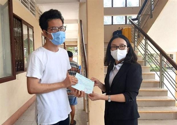 从外国返回的300余名越南公民结束集中隔离期 hinh anh 1