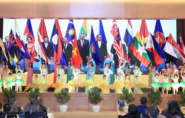 东盟2020:共同携手保护东盟家园免受世界大流行病的影响 hinh anh 1