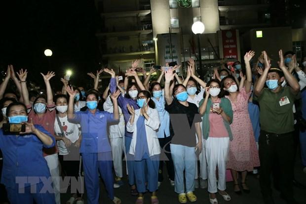 白梅医院完成14天的隔离期并恢复普通门诊 hinh anh 1