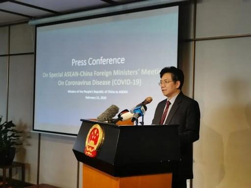 中国驻东盟大使对东盟与中日韩在新冠肺炎疫情防控工作的合作机制表示欢迎 hinh anh 1
