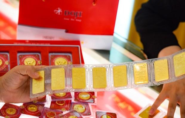 越南国内黄金价格接近4900万越盾 hinh anh 1