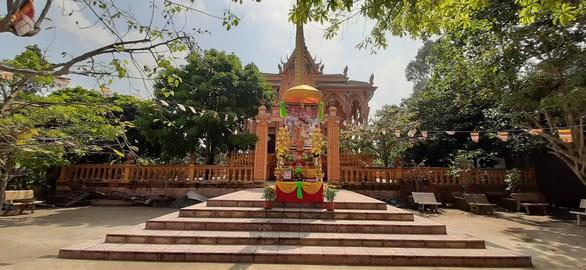 越南高棉族同胞喜迎传统新年不忘防疫任务 hinh anh 2