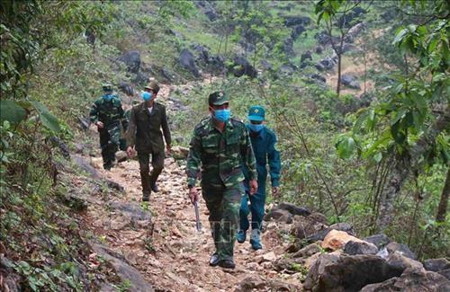 高平省边防部队加固防疫线 全力守护人民健康安全 hinh anh 2