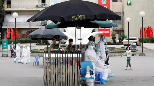 美国国际战略研究中心:越南动员民众的资源来控制新冠肺炎疫情的蔓延 hinh anh 1