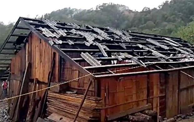 莱州、安沛等省冰雹加龙卷风来袭 导致10人伤亡和失踪 hinh anh 1