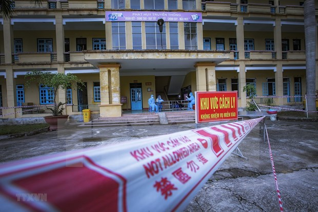政府总理指示继续实现新冠肺炎疫情防控措施 hinh anh 2