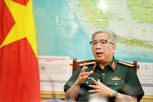军队做好疫情防控第一线和保卫祖国双重任务 hinh anh 1