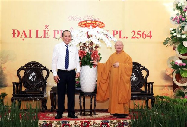 政府副总理张和平前往胡志明市明道寺 祝贺佛历2564年佛诞大典 hinh anh 2