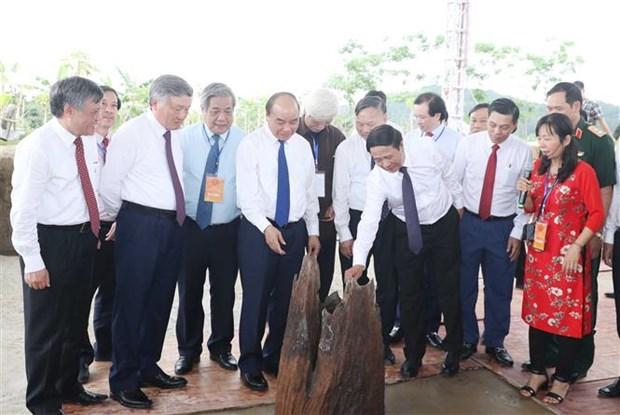 越南政府总理阮春福出席海防市高跪木桩基地保护区项目动工仪式 hinh anh 2