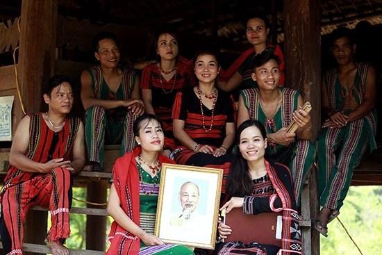 """""""5月再忆胡伯伯""""主题活动将在越南多民族旅游文化村举行 hinh anh 1"""