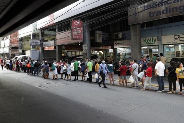 新冠肺炎疫情:在一些东南亚国家确诊病例数继续攀升 hinh anh 1