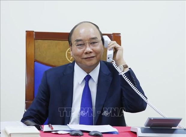 越南政府总理阮春福与美国总统唐纳德·特朗普通电话 hinh anh 1