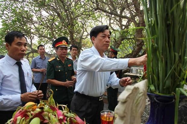 清化省为援老牺牲的越南志愿军和专家烈士举行追悼会和安葬仪式 hinh anh 2