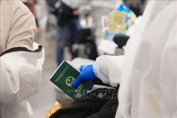新冠肺炎疫情:越南驻瑞士代表机构同越侨同胞并肩同行 hinh anh 1