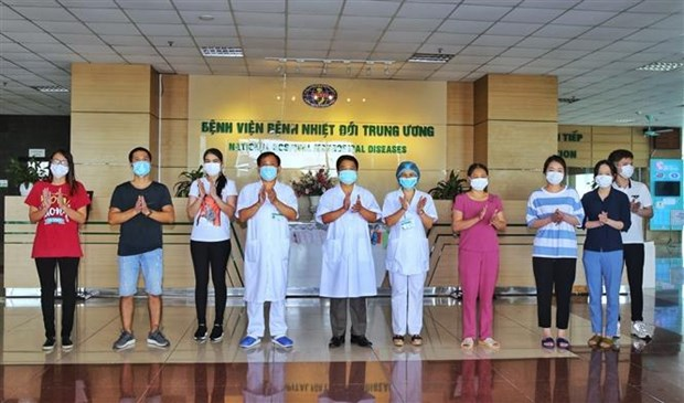 新冠肺炎疫情:越南新增8名患者治愈出院 治愈出院率达90% hinh anh 1