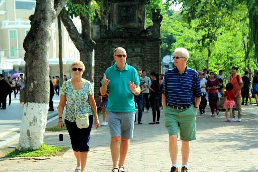 后疫情时代促进国内旅游并为恢复国际旅游做好充分的准备 hinh anh 1