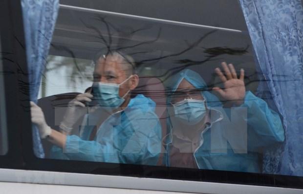 300余名越南公民安全回国 hinh anh 1