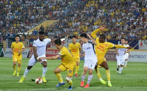 亚洲媒体称赞越南足球重回正轨 hinh anh 1
