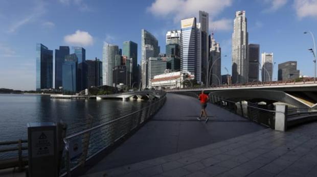 新加坡今年内第三次下调经济增长预期 hinh anh 1