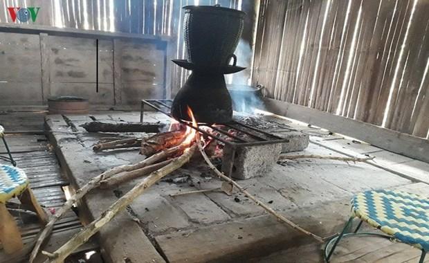 高脚屋炉灶在泰族同胞生活中的意义 hinh anh 1