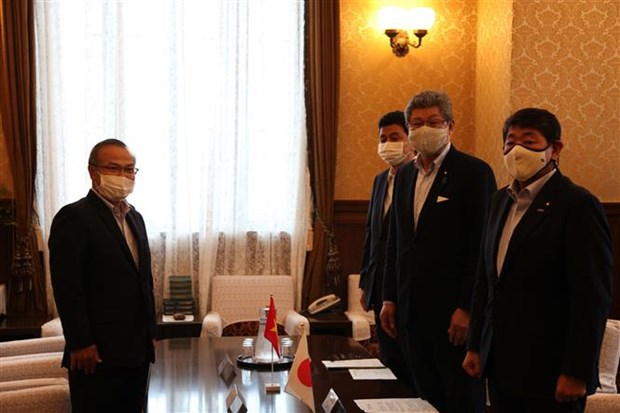 日本众议员高度评价越南新冠肺炎疫情防控工作取得的积极成果 hinh anh 1