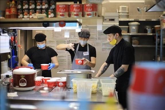 旅俄越侨为俄罗斯一线医务人员免费提供午餐 hinh anh 1