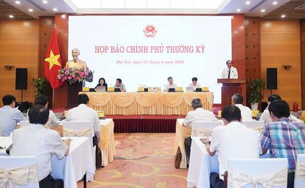 越南政府例行新闻发布会:越南迎来经济重启的黄金机会 hinh anh 1