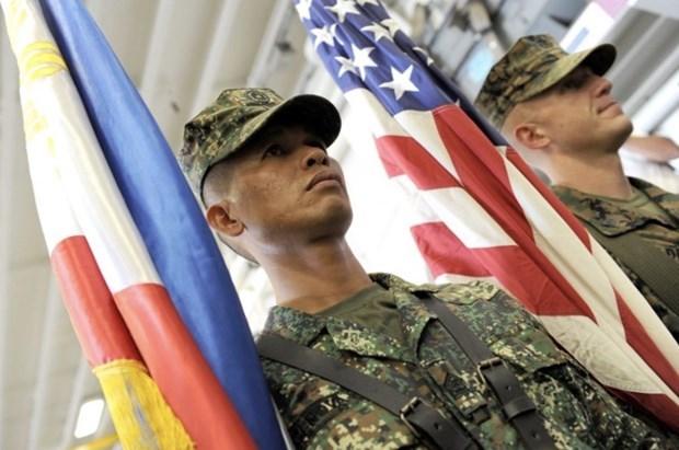 菲律宾决定暂停终止与美国的《访问部队协议》 hinh anh 1