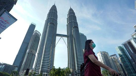 马来西亚22年来首次录得贸易逆差 hinh anh 1