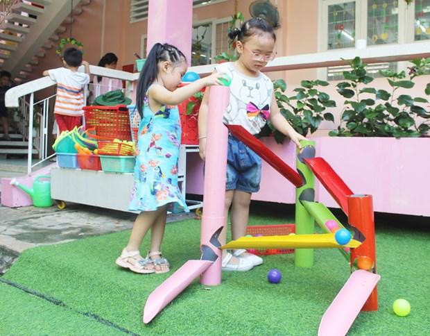 变废物为玩具 鼓励儿童将破旧物品变成创意 hinh anh 2