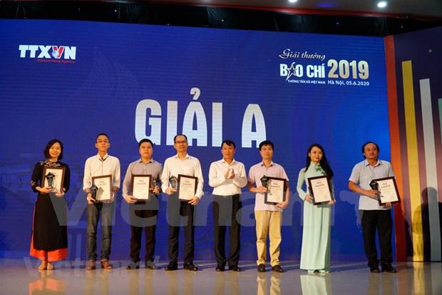 2019年越通社新闻奖颁奖仪式举行 hinh anh 1
