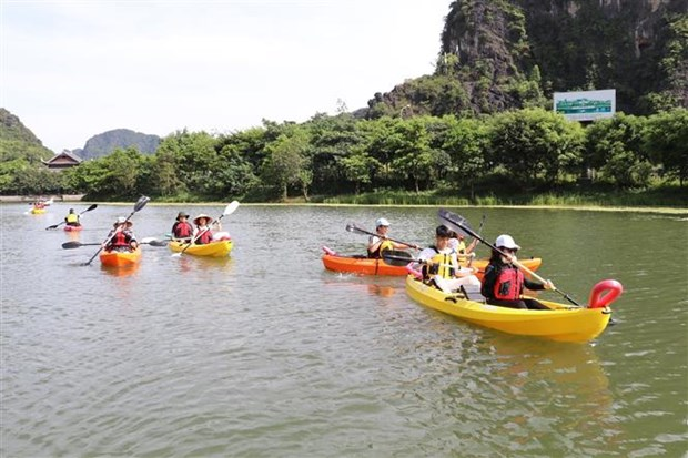 若第三季度开门迎客越南国际游客到访量可达600至800万人次 hinh anh 2