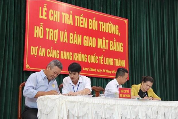 政府总理阮春福要求尽早做好龙城国际航空港项目征地拆建补偿安置工作 hinh anh 1